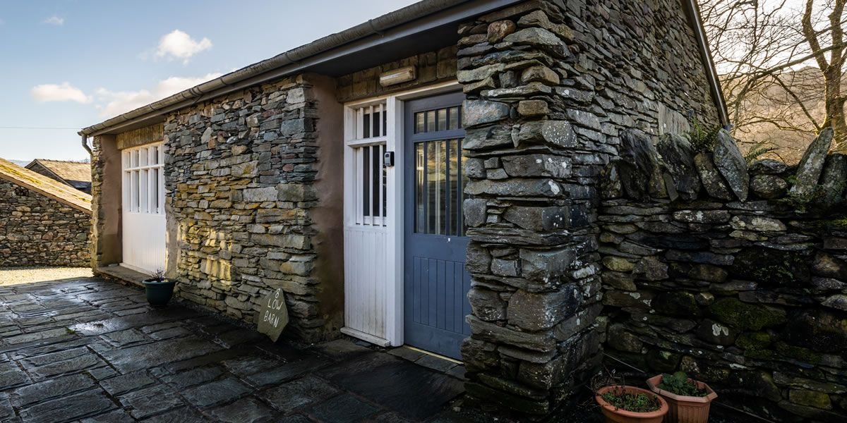 lowbarn-selfcatering-exterior